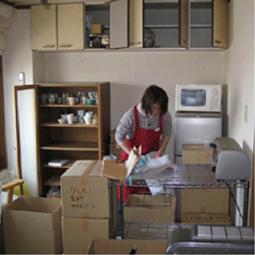 荷造り、荷解き作業